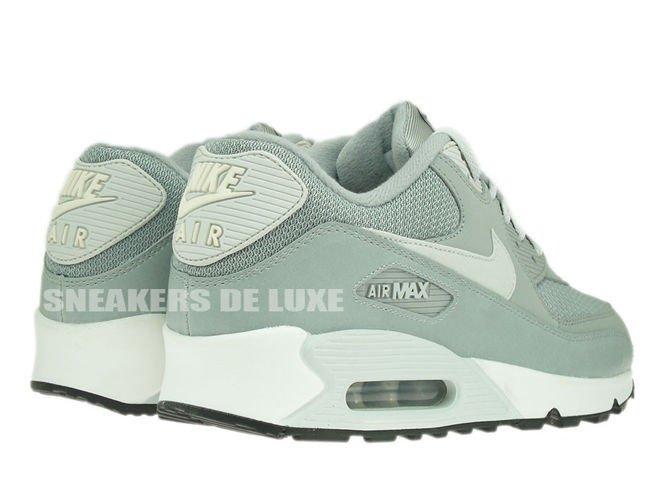537384 028 Nike Air Max 90 Essential Base GreyLight Base